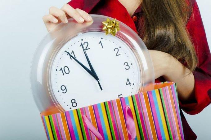 Можно ли по приметам дарить часы любимому человеку
