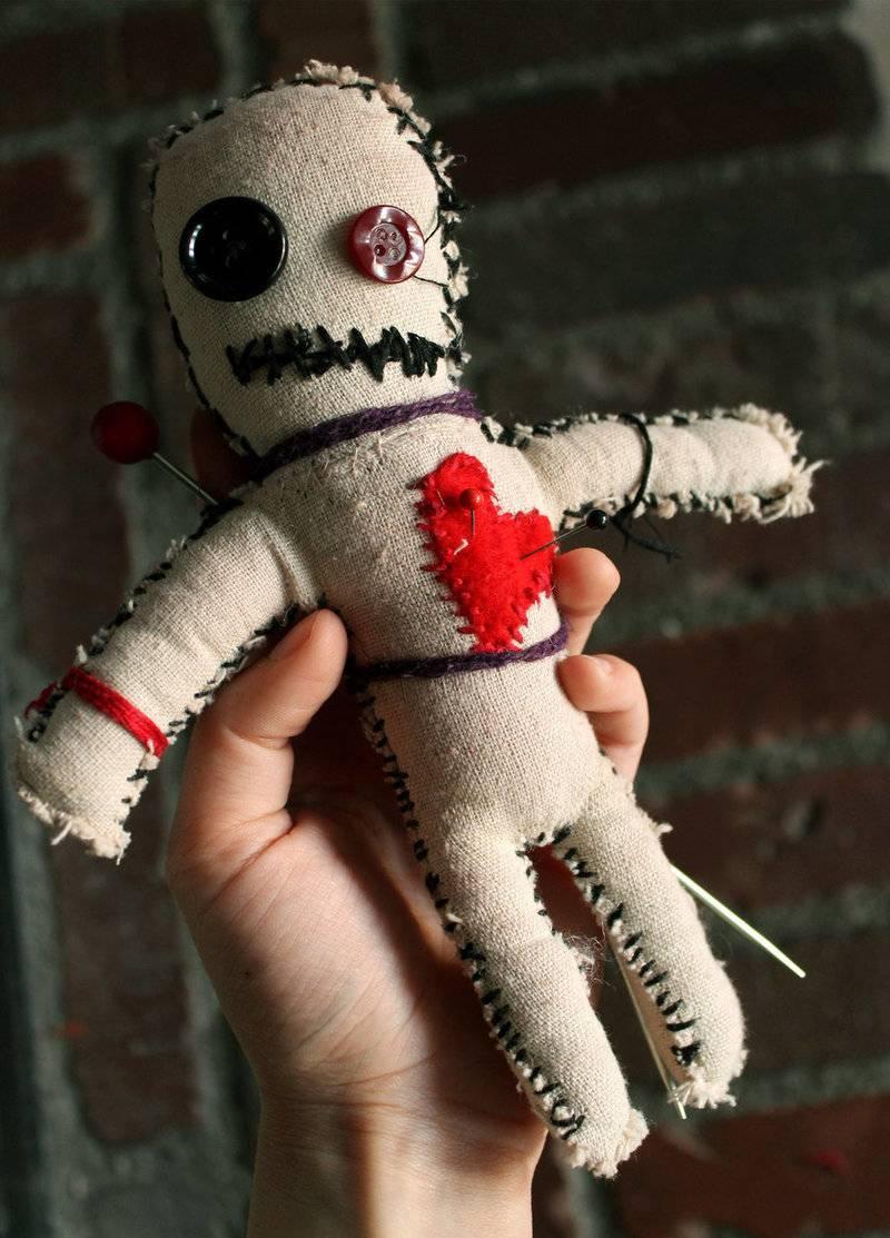 Самые действенные обряды с куклой вуду