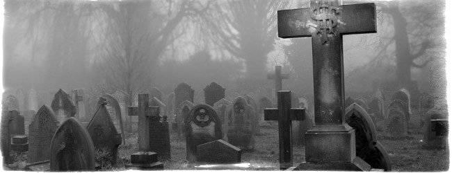 Почему беременным нельзя приходить на кладбище: мнения священников и медиков