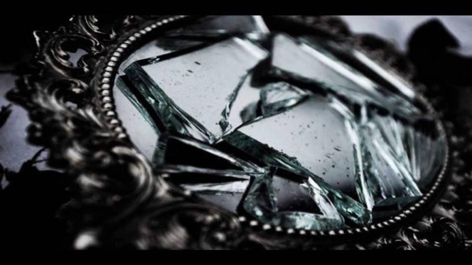 Примета найти разбитое зеркало
