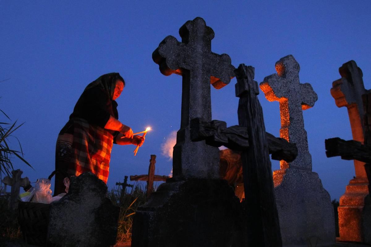Кладбищенский приворот: виды, инструкции, последствия