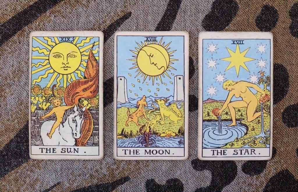 Аркан таро луна - значение и трактовка карты в любви и отношениях