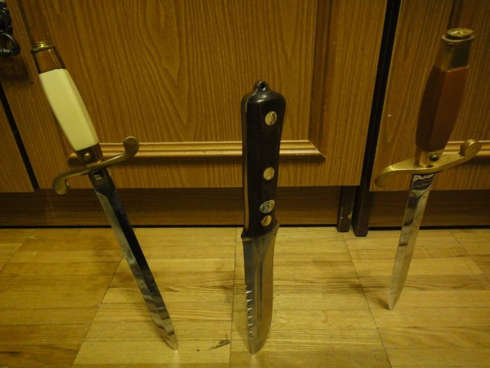 Упали ножи — примета, её значение и другие суеверия