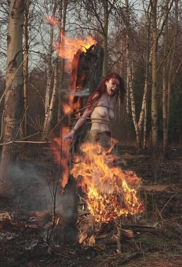 Зачем раньше сжигали ведьм на костре