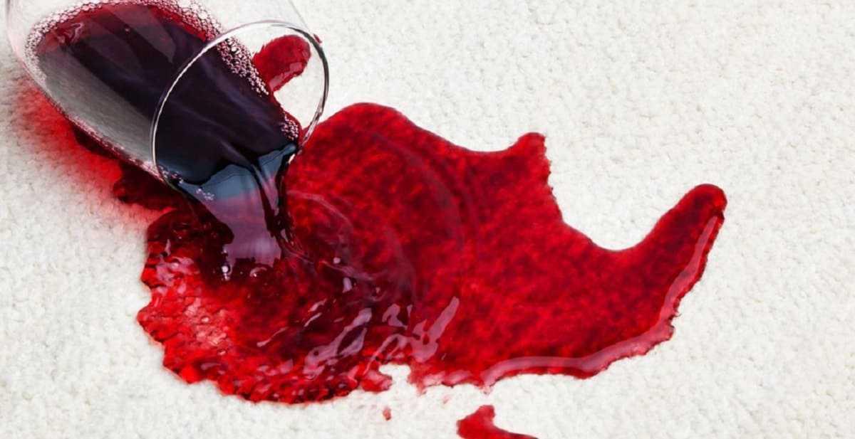 Приворот на месячную кровь: последствия и описание методов снятия