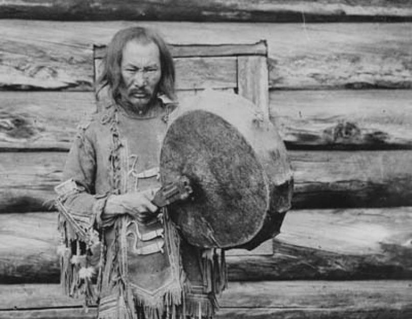 Когда духи просят закурить:  шаманизм как профессия xxi века