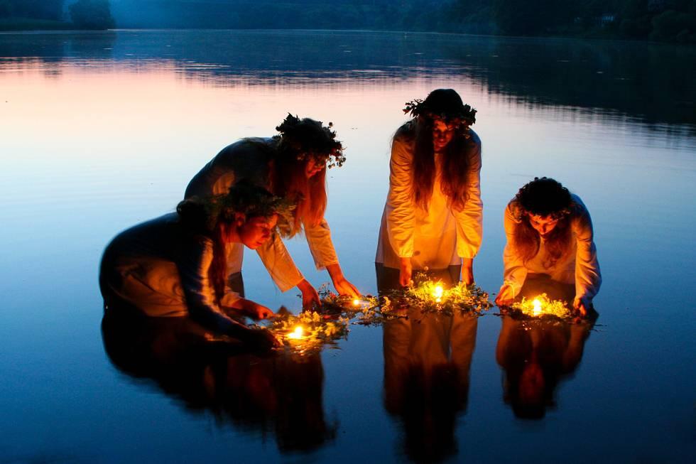 Ночь ивана купалы — 2017: когда наступает, купания и гадания на суженого, ритуальные бесчинства