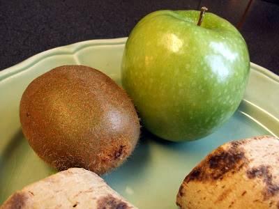 Приворот мужчины на яблоко: 10 эффективных вариантов обряда