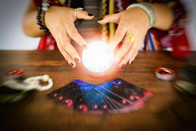 Магический шар предсказаний для принятия решений - как пользоваться? магический хрустальный шар, инструмент ясновидения или аккумулятор энергии.