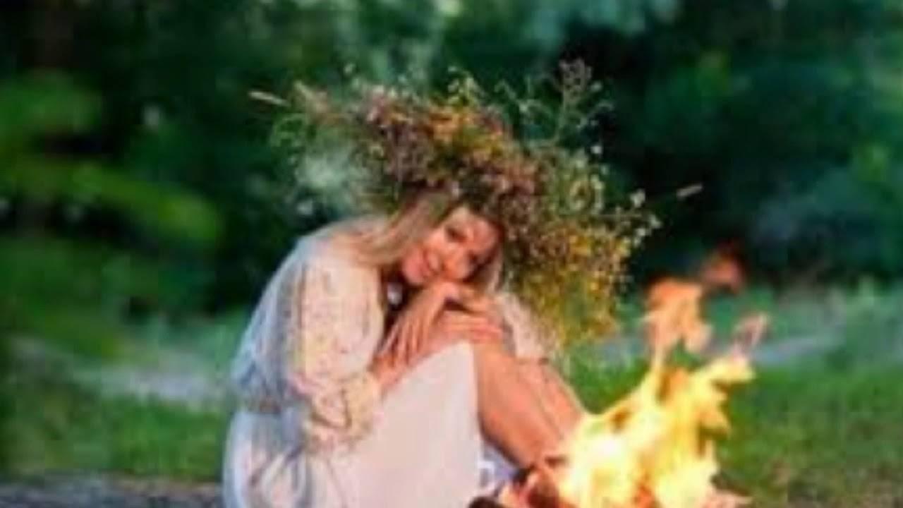 Троица и духов день: народные приметы, традиции и обычаи, что можно и нельзя делать, ритуалы, обряды
