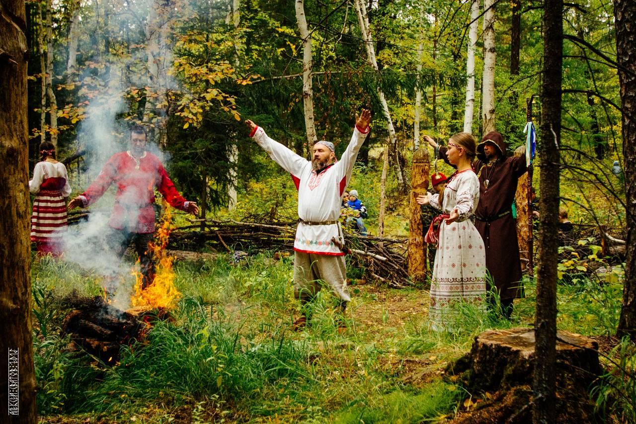 Боги славян: перун. языческий бог перун. символ перуна