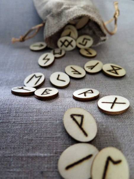Руна феху значение в любви, отношениях, работе, магии
