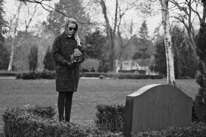 Можно ли беременным ходить на кладбище: мнение церкви, психологов и ислама