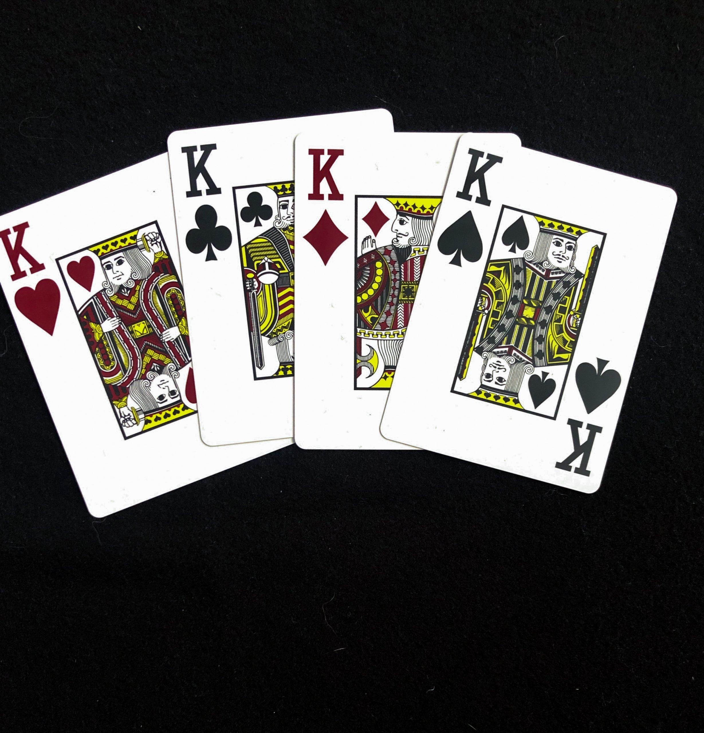 Гадание на 4 королей обычными игральными картами в домашних условиях, значение