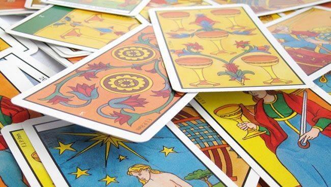 Как активировать карты таро, как зарядить колоду своей энергией, ритуалы