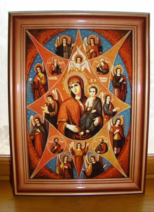 Семейная икона: значение, как выглядит и в чем помогает, какой образ нужно иметь в доме