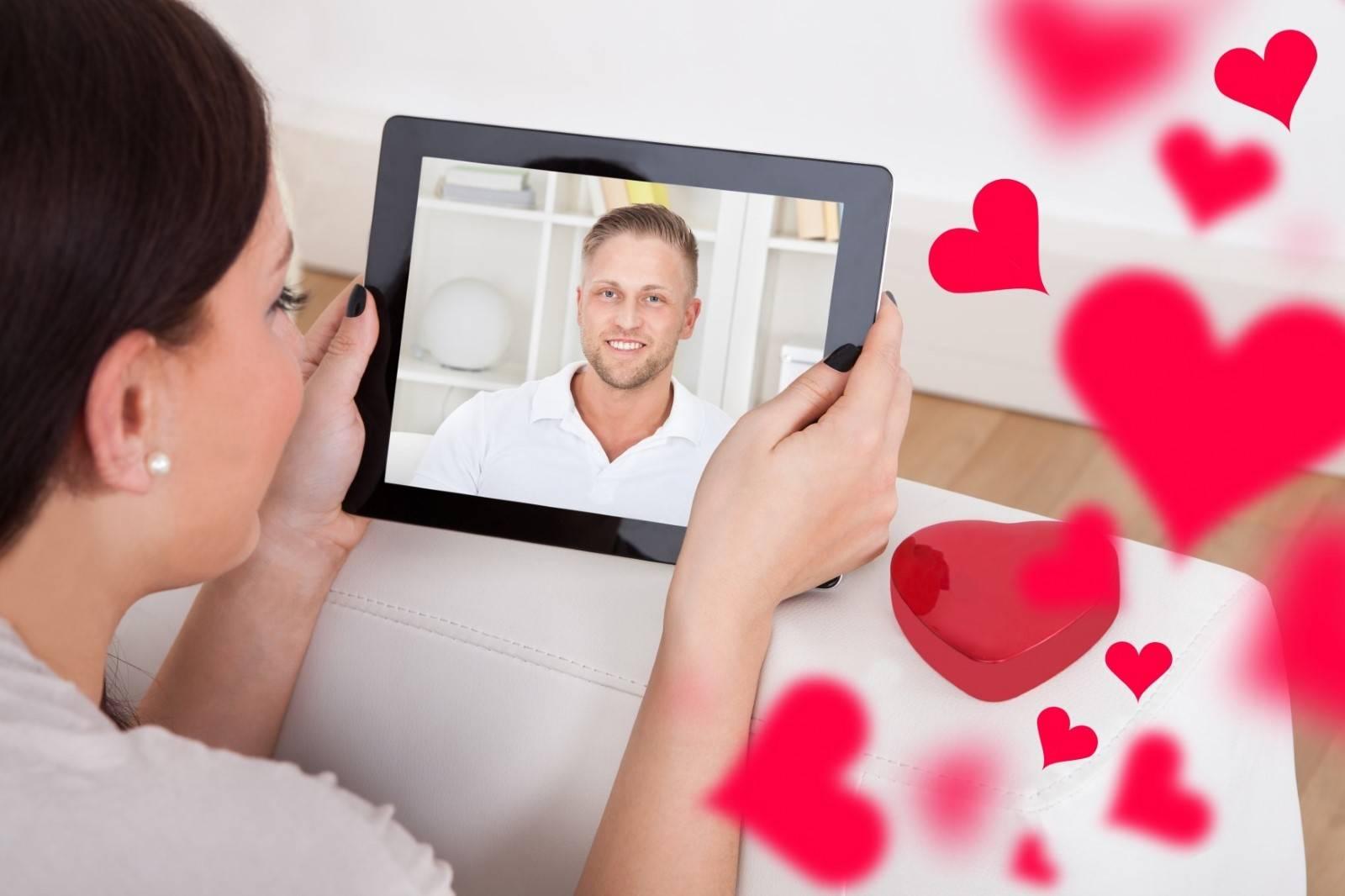 Как начать знакомство с девушкой в интернете - идеи, примеры