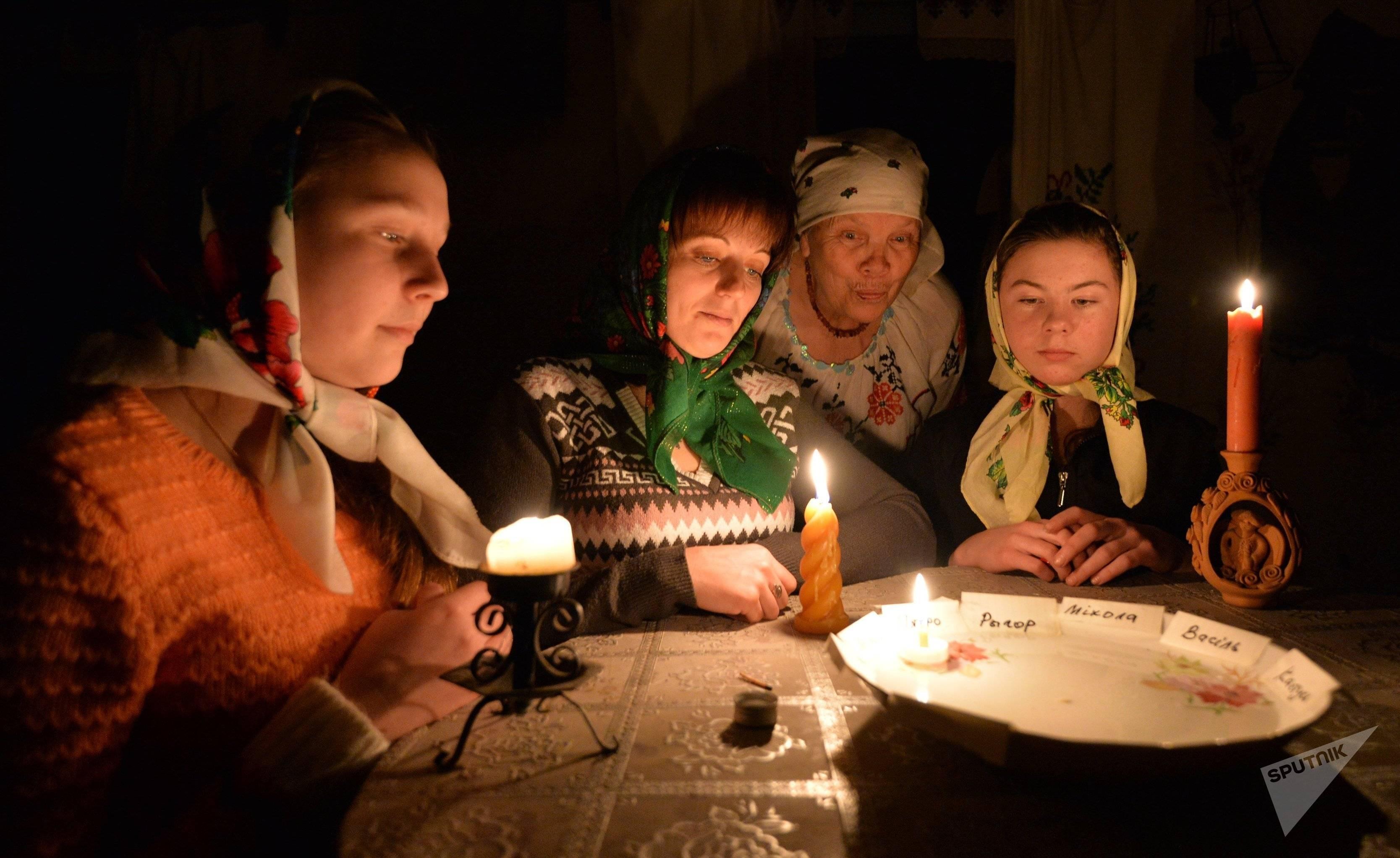 Домашние гадания под новый год и рождество: на желание, любовь, суженого, будущее