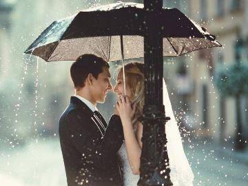 Дождь на свадьбу: значение приметы и ее история