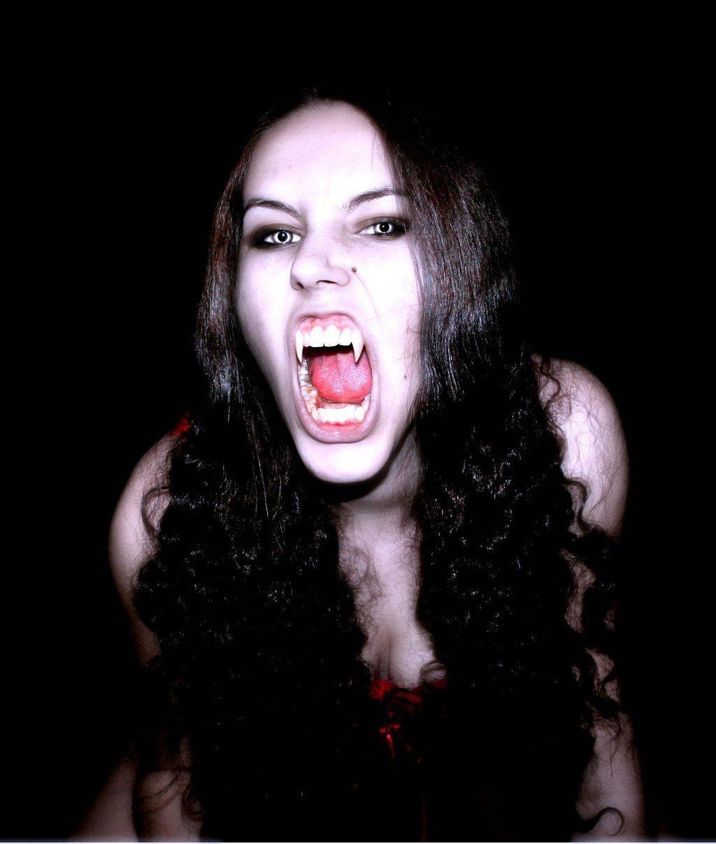 Существуют ли вампиры и как от них защититься