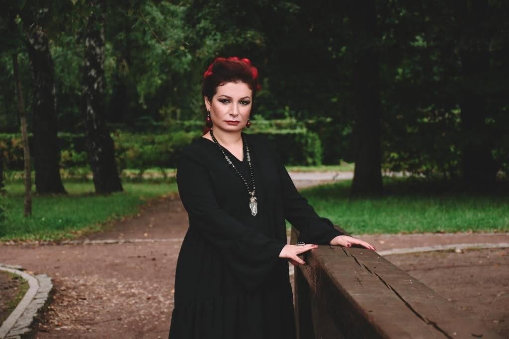Алена полынь — ведьма, способная изменить мир