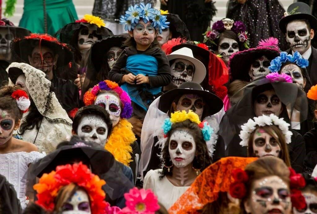 Сценарий и конкурсы на хэллоуин для детей, подростков, молодежи