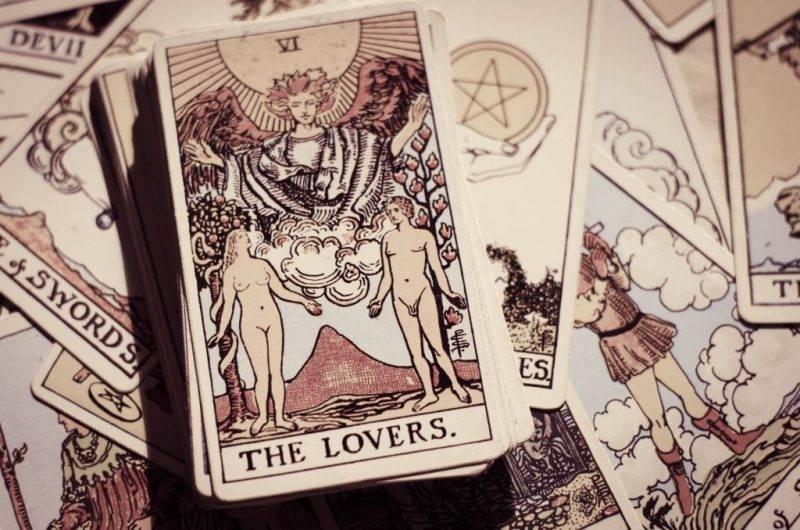 Влюбленные (6 аркан) таро уэйта: значение в финансах, отношениях