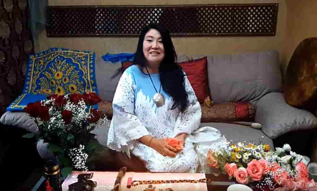 Кажетта: «расплавить сахар на пламени свечи». 100 самых действенных ритуалов для исполнения желаний от самых известных экстрасенсов