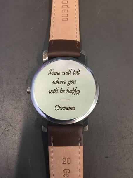 Почему нельзя дарить часы: плохая примета или плохой подарок?