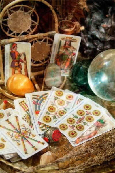 Пасхальные гадания на яйцах и куличах, ритуалы и заговоры
