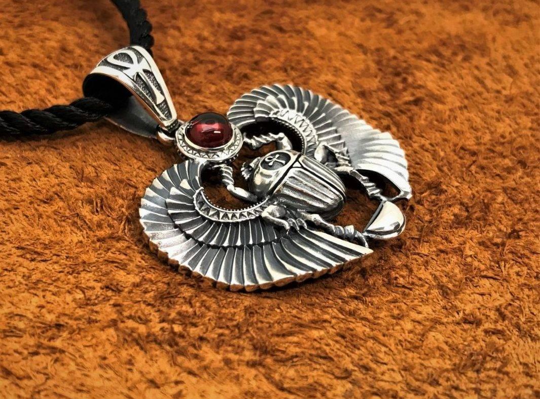 Как выглядит символ жук скарабей, его рисунок и значение