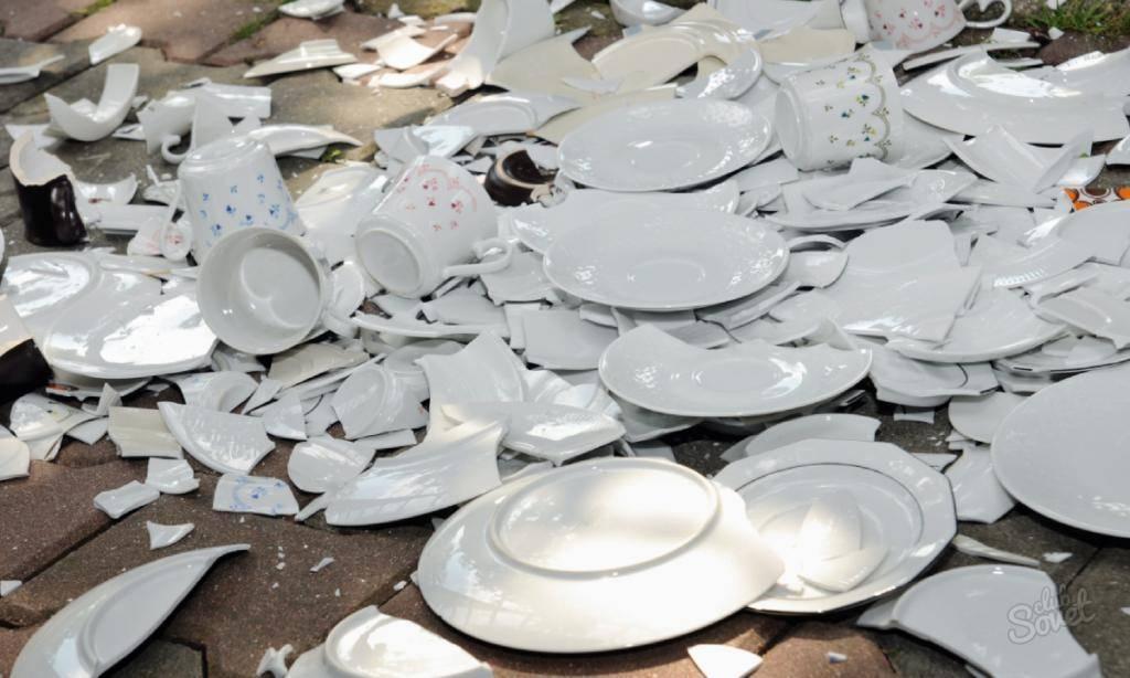 К чему бьется посуда в доме: приметы - дом солнца