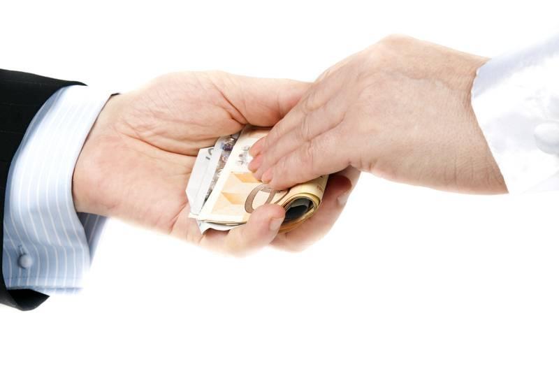 Как правильно давать деньги в долг: в какие дни недели по приметам нельзя одалживать