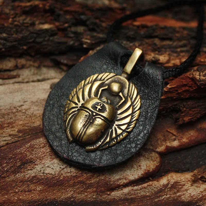 Жук скарабей: значение талисмана древнее, современное, как носить