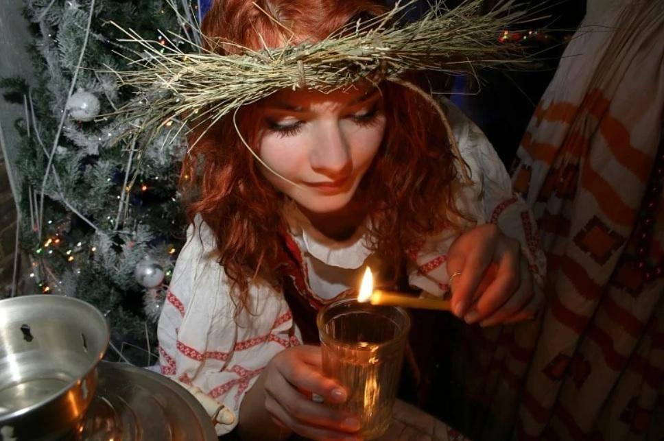 С какого дня начинаются гадальные дни. славянские традиции гадания в январе — весело, познавательно, а порой и страшно. когда можно гадать на картах