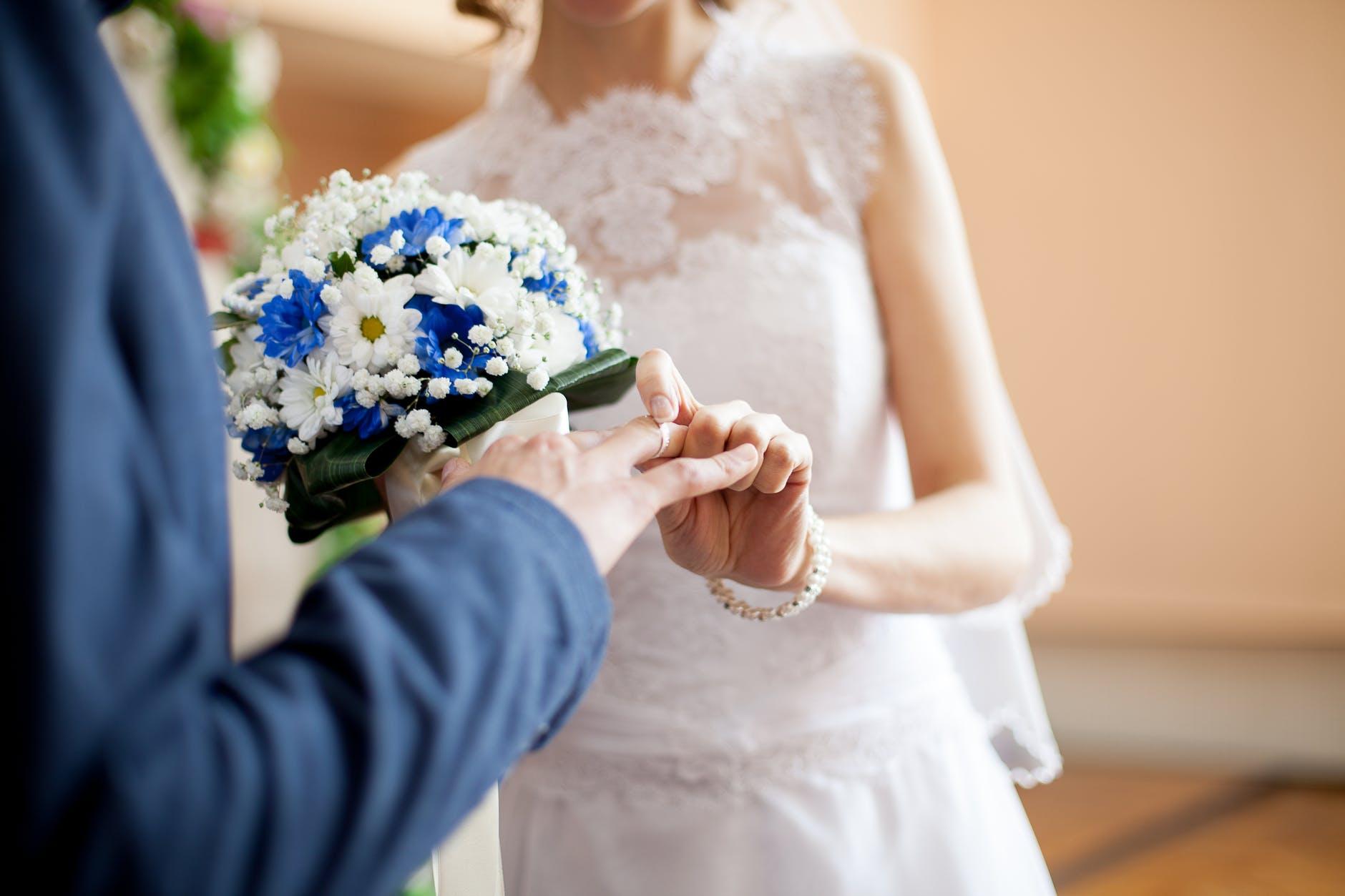 Что нумерология расскажет по дате свадьбы о перспективах брака?