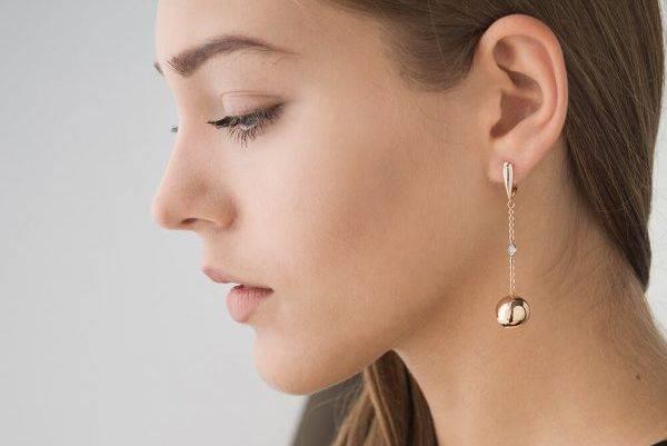 Что значит потерять сережку с правого уха или левого? приметы