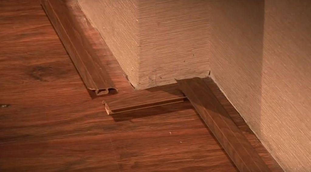 Нашла иголку в одежде: что делать, если обнаружили в стене, в двери или под кроватью подклад, какие читать заговоры, чтобы снять порчу в доме