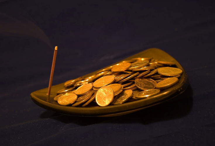 Мощные обряды на привлечение денег в домашних условиях   магия